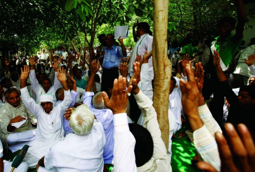 A mahapanchayat of 100 villages held on July 24 near Manesar urged Maruti Suzuki to stay in Gurgaon. It condemned the violence at the Manesar plant and demanded a CBI investigation.